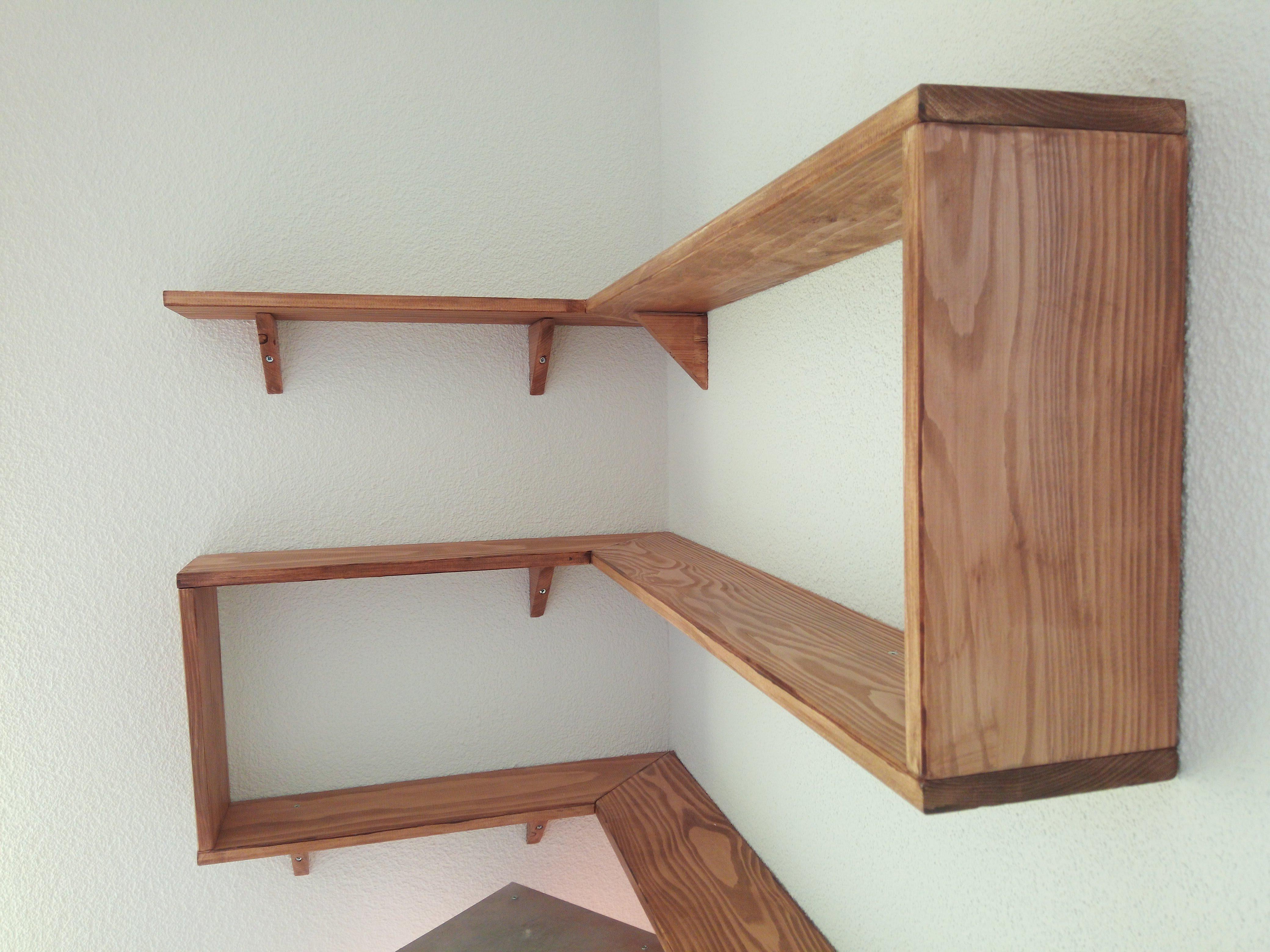 selber gemachtes 90 wandregal aus holz. Black Bedroom Furniture Sets. Home Design Ideas